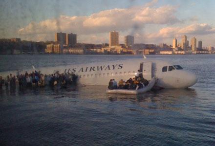 Vliegtuig van US Airways in de Hudson-rivier